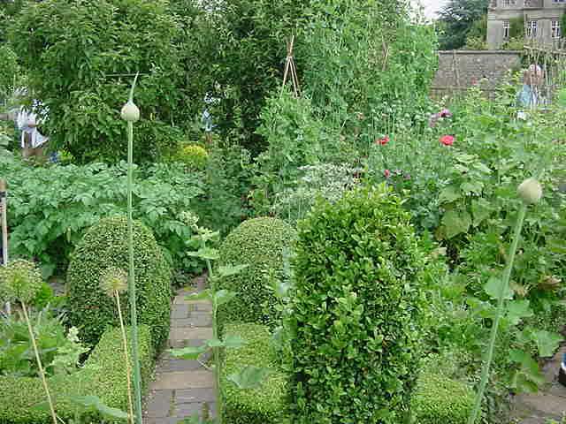 barnsley-garden-14